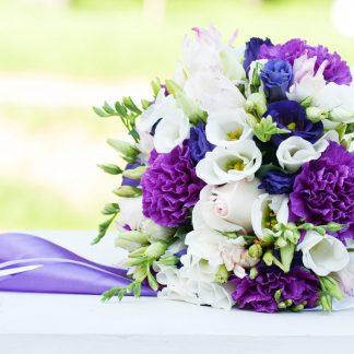 blauw-paars-wit-bruidsboeket